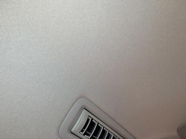 トヨタVOXY 天井補修とクリーニング