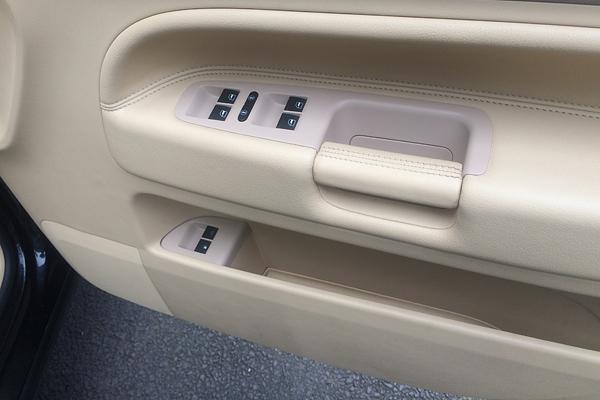 VW Touareg 内張りカラー補修前