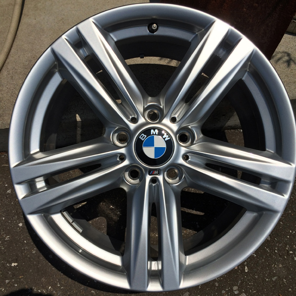 BMW M3 ハイパーシルバー純正ホイールリペア